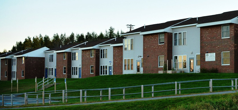 The Colleges Apartment Style Housing Accommodates Up To 5 Students In Each Unit Room And Board Plan Includes A Balanced Dinner